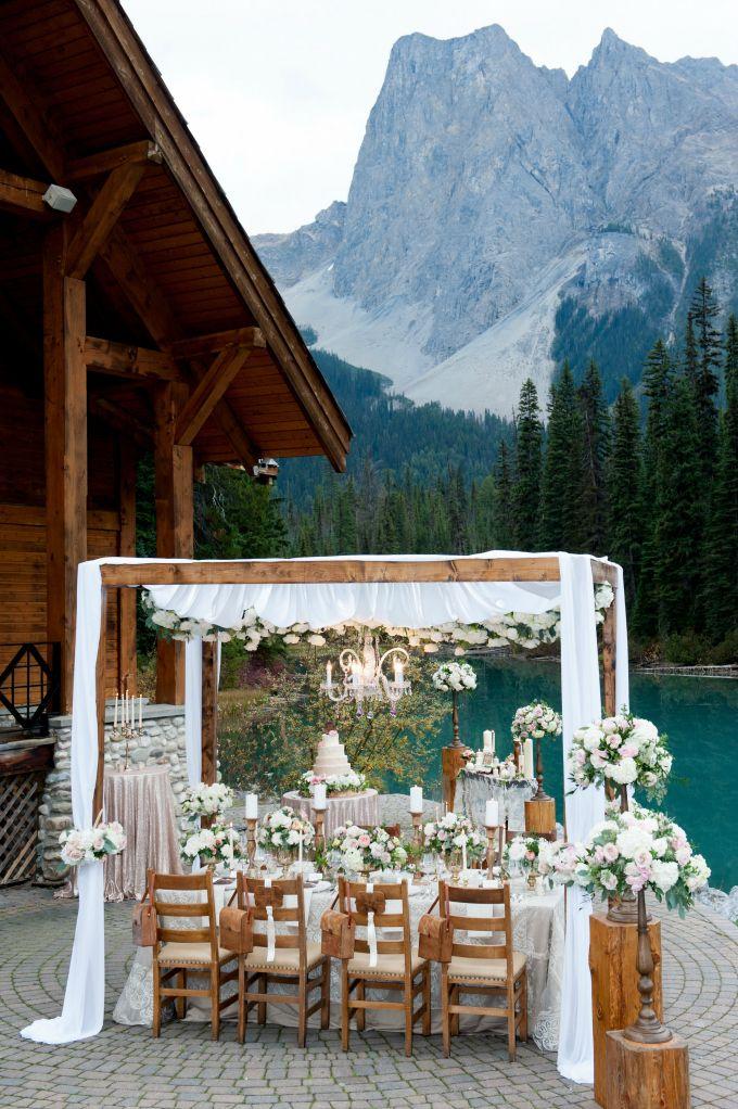 Mountain elegance designer Naturally Chic | Photo by F8 Photography, Flowers by Flower Artistry, for @CalgaryBride @crmresorts  #emeraldlakelodge #mountainwedding #LuxeatCalgaryBride