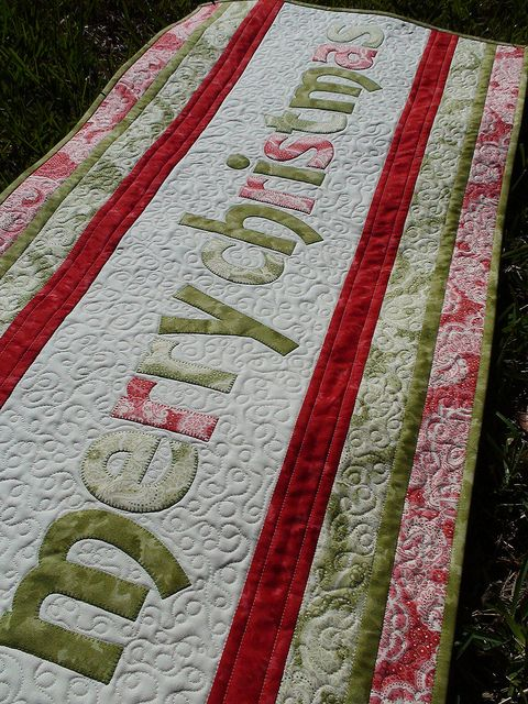 Inspiration: Merry Christmas applique table runner.