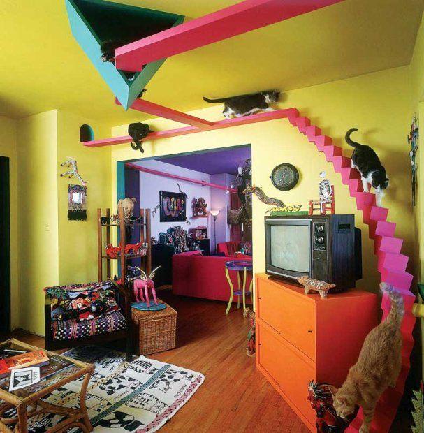 Koci dom ewoluował od zwykłego sizalowego drapaka do wielopokojowego labiryntu zaprojektowanego specjalnie dla kotów