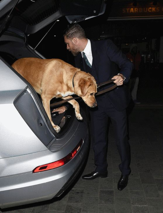 Woody arriving in style at the Legend after party. *g*