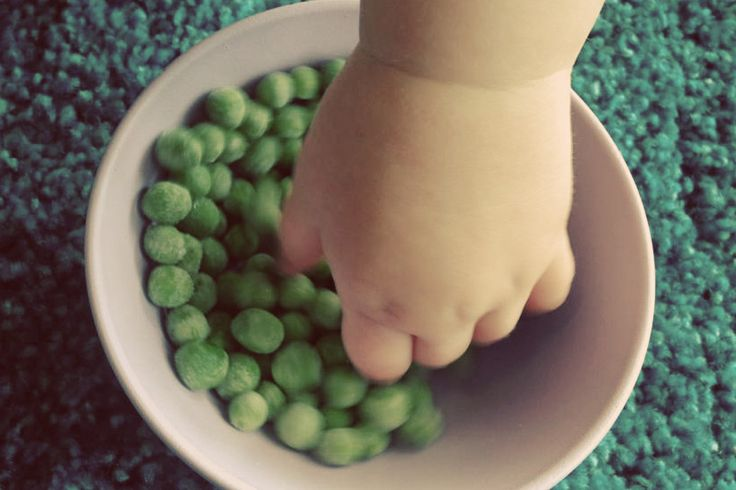 5 Easy Toddler Snacks that WON'T Fill Them Up Before Dinner. What would you add to this list?