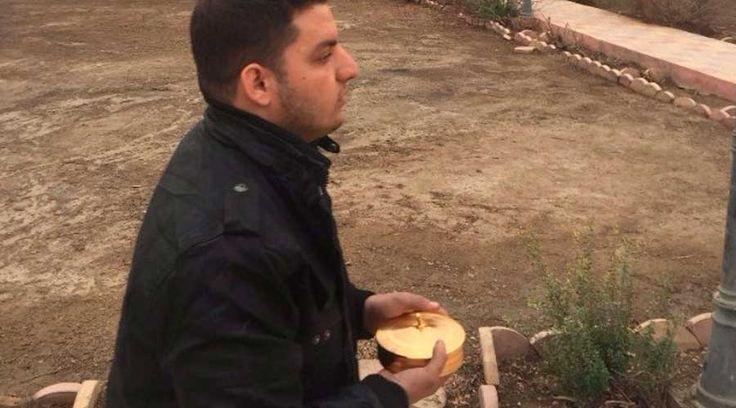 De seminarista salvó Eucaristía de ISIS y como sacerdote vuelve al pueblo con el Santísimo