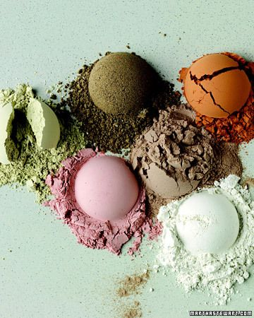 Choose the Right Clay  Some clays are gentle skin purifiers that do not absorb oil, making them good for dry or sensitive complexions. Others are deep cleansers that pull oil and toxins from the skin, which can help normalize oily skin and fight the effects of pollution. For best results, choose one that suits your skin type,