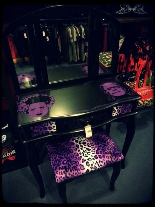 Rockabilly Furniture ♠
