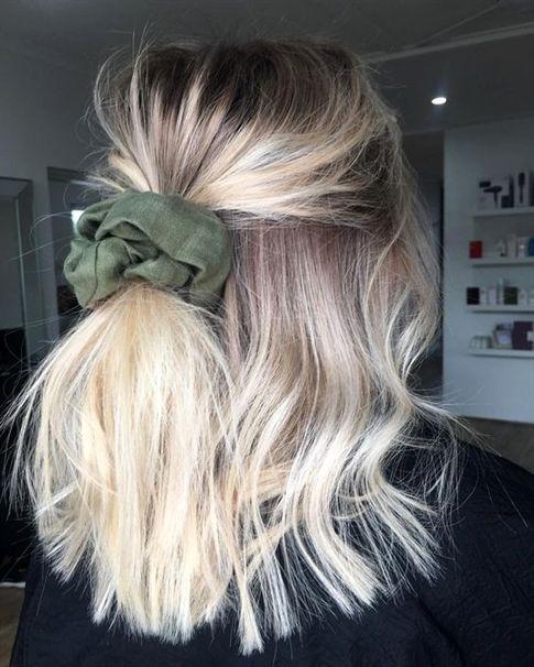 Who knew a scrunchie could look so good 👱🏽♀ #90s #hairstyle #scrunchie #updo #messyhair #messybunandgettingstuffdone #halfuphalfdown #hairstyle #sundays #inspo #savethepeople #friseur #frisurentrend #mittellanges #mittellang #frisuren #geheimtipp #2018 #Schönheit #bob #haar #kurze #Frisurentrend #frauen #pony #haare #schönheit