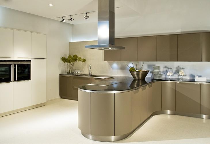 Küche in Grau Kücheninsel Rundeküche kuechen