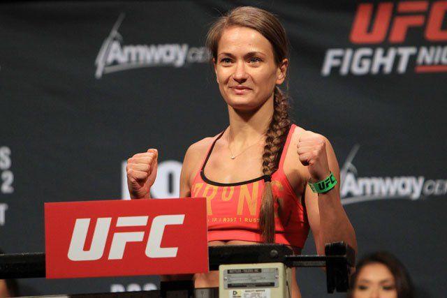 Karolina Kowalkiewicz Earns Decision Win In UFC Debut Against Randa Markos - http://www.lowkickmma.com/UFC/karolina-kowalkiewicz-earns-decision-win-in-ufc-debut-against-randa-markos/