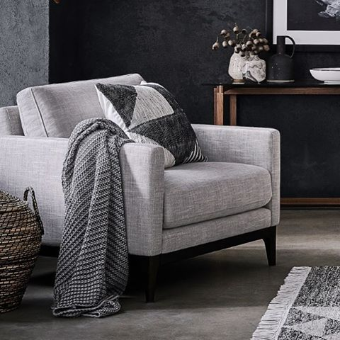 A cosy throw adds instant warmth for these chilly winter nights. All throws are now 25% off in our biggest ever sale. Hurry, ends Monday! #lovecominghome #sale #interiordecoration #livingroom