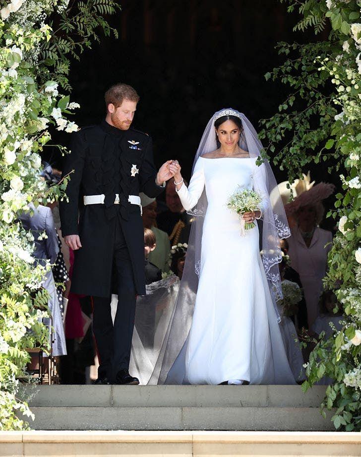 Who Designed Megan S Wedding Dress.Wedding Dress Of The Duke Duchess Of Sussex Meghan Harry S