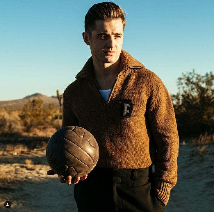 """Robbie Rogers (@robbierogers) on Instagram: """"Some extra shots from our shoot w/ @soccerbible — loved working with @hanaasano and @alfiebakerstyle ❤️""""  -  18-January-2018"""