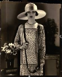 Vogue - June 15, 1925 by Edward Steichen  My Grandmother's mother looked like this in that era.