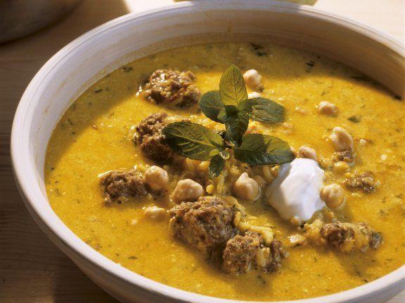 Rezept: Kichererbsen-Joghurtsuppe mit Hackfleisch