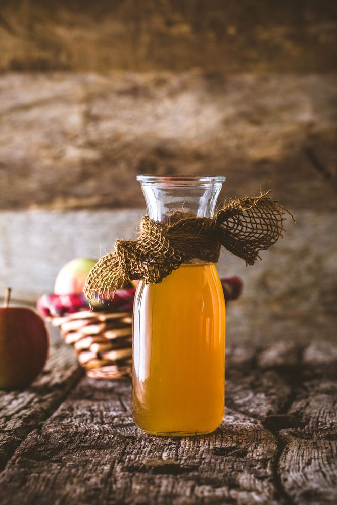 Apple cider vinegar is an incredibly versatile product that can be used in all sorts of ways from toning your skin to cleaning windows, rinsing your hair to trapping fruit flies, unclogging sinks to aiding weight loss
