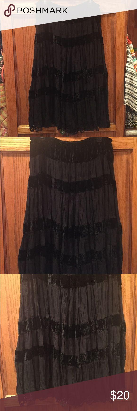Black Velvet skirt John Richard black Velvet & rayon skirt linned has lace at the hem elastic waistband 1x. Beautiful Skirts Midi