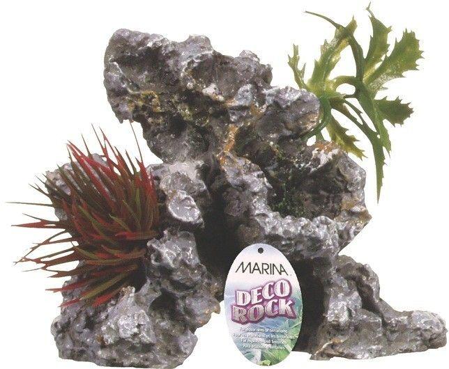 Ornamento Deco Rock con Plantas MARINA - #FaunAnimal Este Ornamento Deco Rock con Plantas MARINA de aspecto realista crea un aspecto natural para su acuario, así como proporciona un refugio seguro para los peces. El adorno incluye un hermoso follaje para mayor realismo.