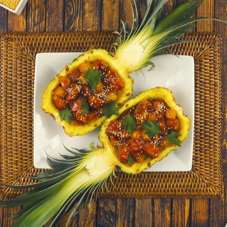 Asia-Hähnchen in der Ananas