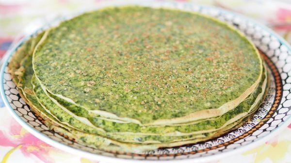 Spinat pandekager med røde linser