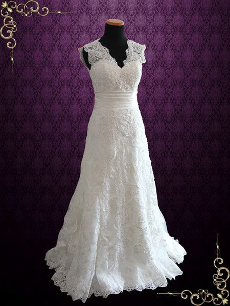Ivory Vintage Style Lace Keyhole Back Wedding Dress with V Neck | Rayna