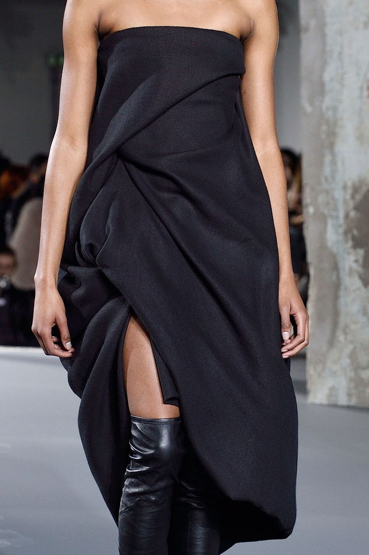 Rick Owens at Paris Fall 2016 (Details)