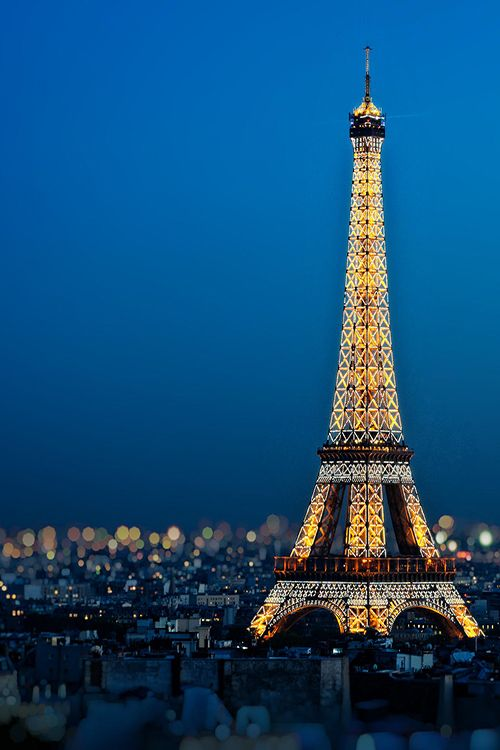 Paris and the iconic Eiffel Tower at night. One of the world's most beautiful places. ♥♥♥♥♥