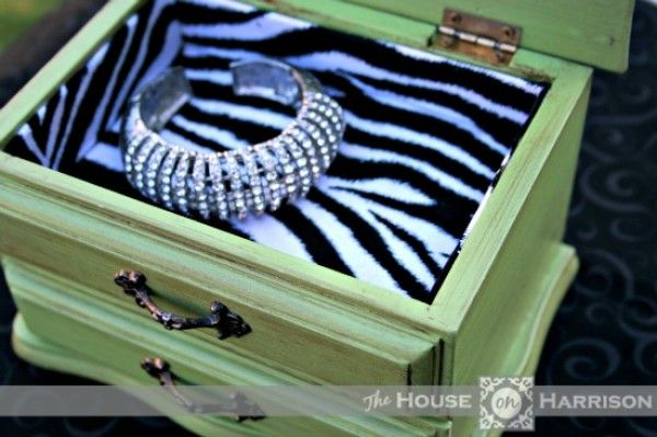 Thrift Store Jewelry Box Makeovers I have quite a few found jewlery boxes.