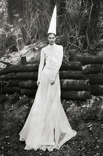 Nora Sarman dress https://hu-hu.facebook.com/sarmannora
