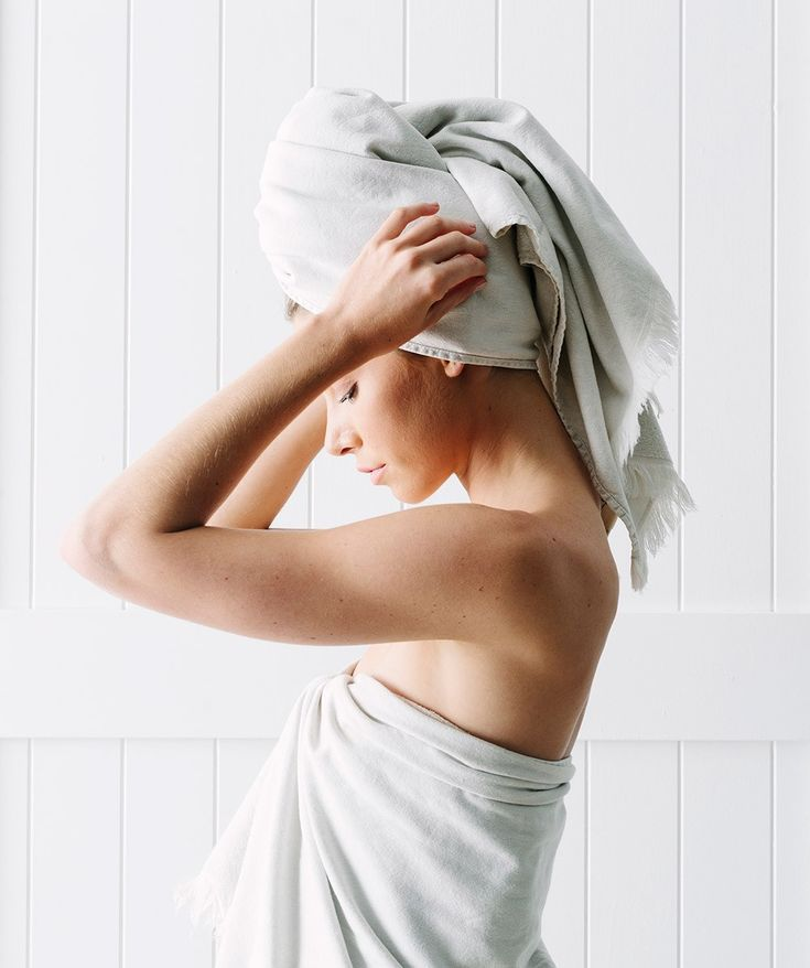 This Bath Towel is a luxe 100% organic cotton towel featuring eyelash fringing and lightweight construction. With a stonewash finish, this colourway was inspired by the hues of the Earth and Sea. | huntingforgeorge.com
