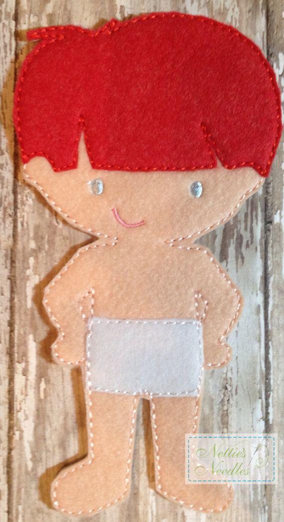 Listado incluye: 1 muñeca Por favor especifique el color de pelo y ojos en la sección de notas La muñeca mide 7 alto y 4 1/4 de ancho.  FAQ: ¿Cómo la ropa y los accesorios se adhiere a la muñeca?  A través de un montón de ensayo y error, he descubierto que lo que sigue es el mejor método para adherirse a la ropa a la muñeca.  Hacer los calzoncillos de la muñeca con el lado del gancho de un pedazo de Velcro. Las piezas pequeñas, como los zapatos, etc., tienen un producto llamado tachuela que…