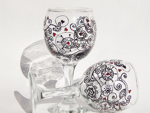 Wine Glass Heart fantasy Gift Hand Painted Stylish Artistic Housewarming Gift Wedding Set of 2 Toasting Glasses