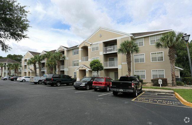 Sunset Lakes Specials Apartments Lakeland Fl Apartments Com In 2021 Lake Sunset Lakeland Lake