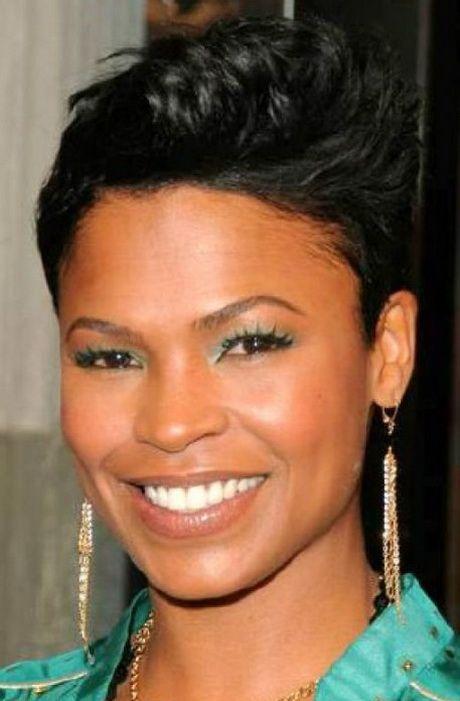Les 25 Meilleures Id Es Concernant Coupe Courte Femme Noire Sur Pinterest Cheveux Noirs Courts