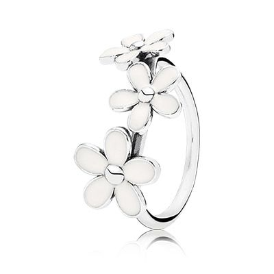 Elegant PANDORA daisy trinity ring. Combine it with the single daisy ring for a beautiful bouquet. $55 #PANDORAring #SpringCollection #SS14
