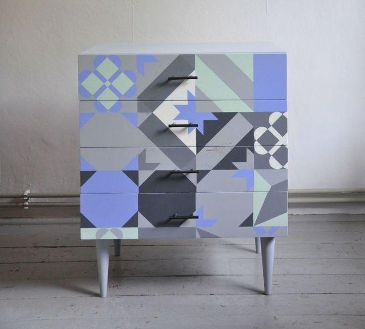 szafka z lat 70' ręcznie malowana http://dwiebaby.pl/zrealizowane-projekty/