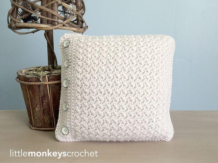 Buttoned Throw Pillow   Free Crochet Pattern from Little Monkeys Crochet (www.littlemonkeyscrochet.com)