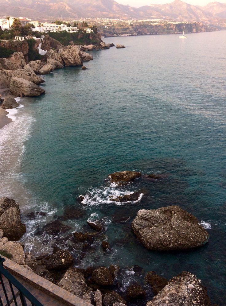 Playas de Nerja-Málaga en la Costa del Sol