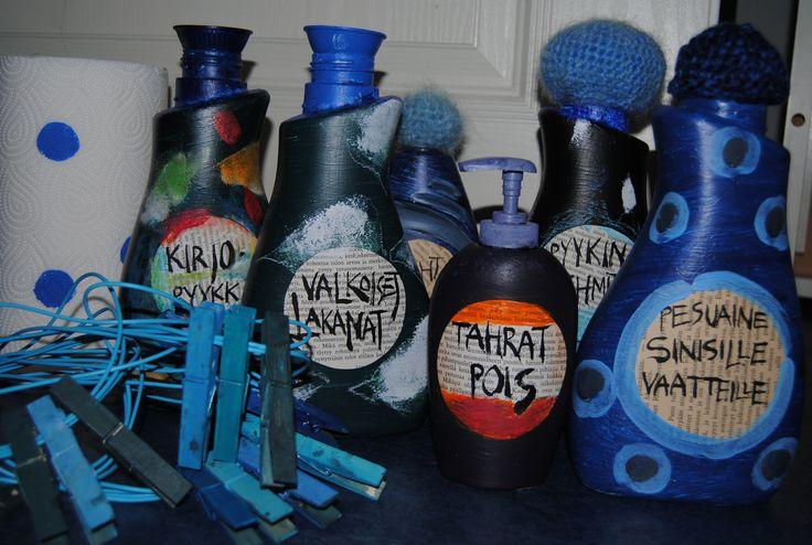 """""""Sinisen siivouspäivän"""" pullot kerättynä"""