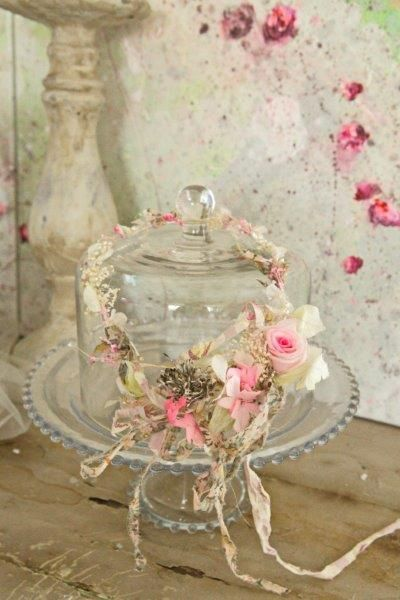 Cake plates cake stands and shabby chic on pinterest - Decoratie de charme chic ...