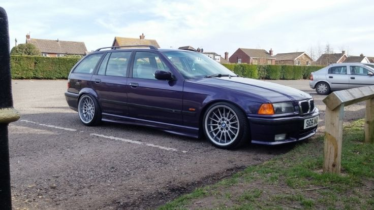 Techno violet BMW e36 touring on OEM BMW Styling 32 wheels