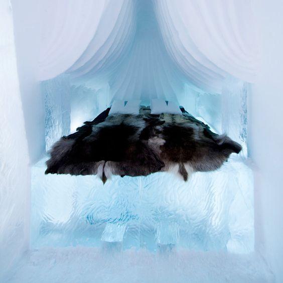 Hôtel de glace en Laponie. Cliquez sur le lien pour vivre un séjour incroyable