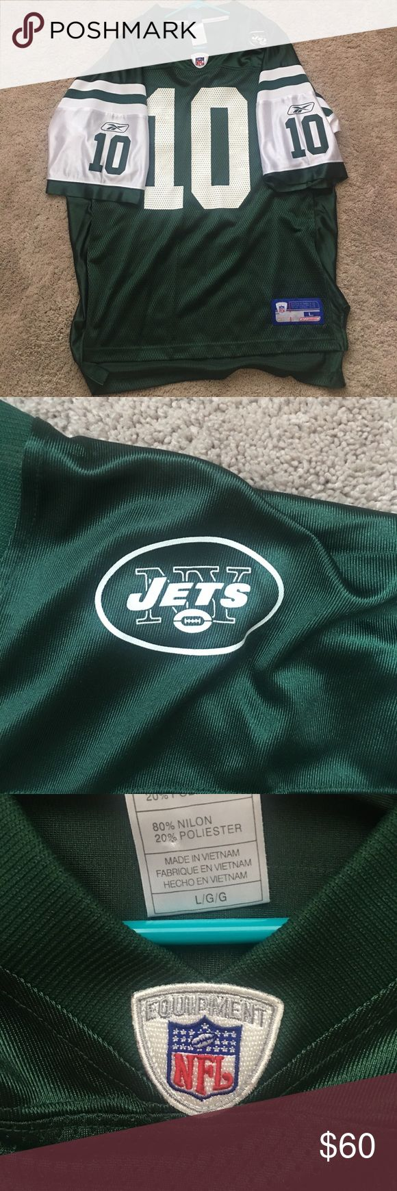 New York Jets Jersey Brand new bought it for someone paid 180. It's a Large. Reebok Shirts
