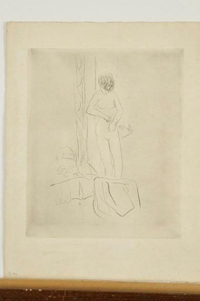 Pierre BONNARD (1867-1947)a Friction au gant de crin. Vers 1930. Pointe sèche. 295x355. Bouvet 110. Belle épreuve d'essai sur vélin, avec quelques reprises à la mine de plomb dans la tête du modèle et dans les fonds.