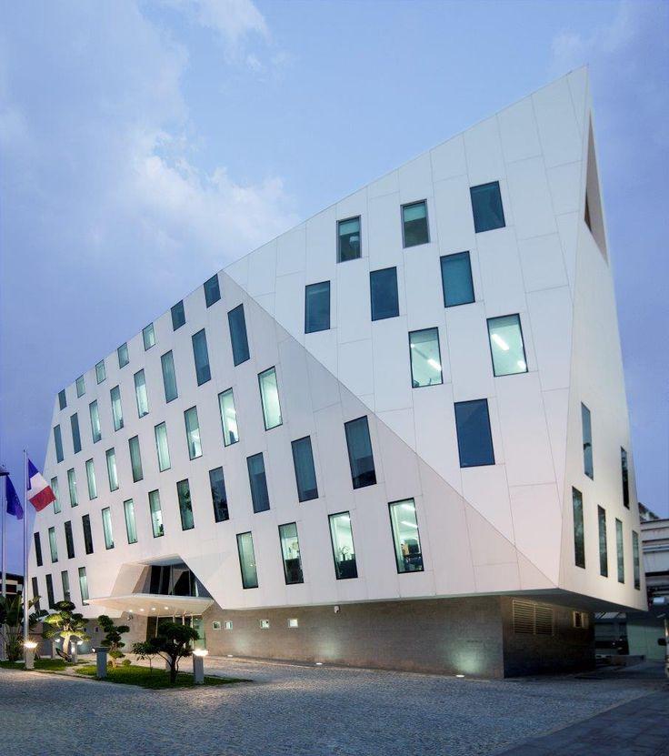 KRION® Blog – Porcelanosa Solid Surface » ADPI utiliza KRION® en la fachada de la nueva embajada de Francia en Bangkok