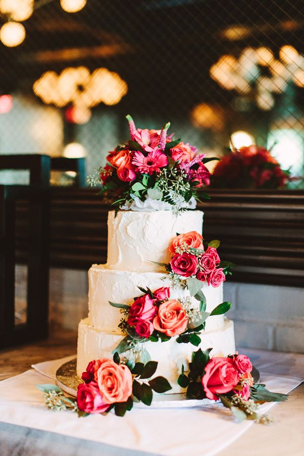 wedding cake with roses - photo by Pat Furey http://ruffledblog.com/art-deco-inspired-brooklyn-wedding
