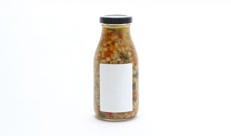 Sopa de col rizada, calabacines y cebada