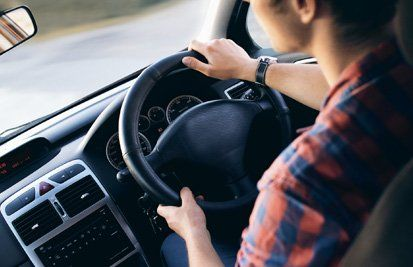 Learning from highly rated driving school Warrington will give you advantages and benefits in the long run as it will provide you safe driving skills. Here are the 6 common mistakes people do when they start driving : 1. Slow driving or excessive speed Driving too slowly on the roads can be...