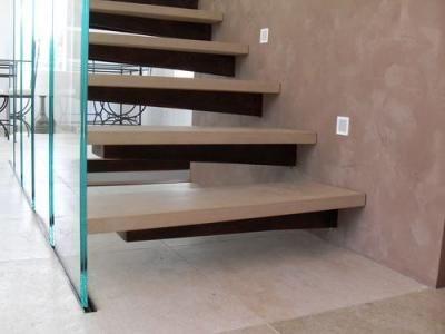 Escalier avec garde corps en verre Bouches du Rhône (13) et Var (83)