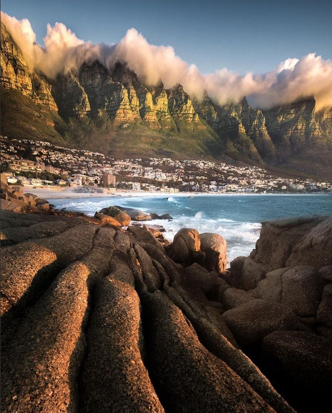 Good Morning Cape Town! Temps between 18 and 25 degrees today.  WhereToStay in the Cape Town area https://goo.gl/jfhZxm  Post via Love Cape Town @lovecapetown Twitter Picture by http://instagram.com/emmett_sparling/ …
