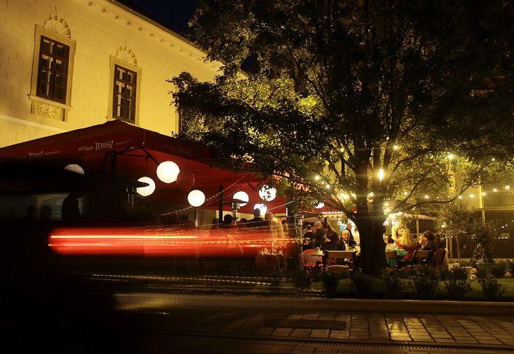 Pest-Buda http://www.pestbudabistro.hu/   Terasz #budapest #restaurant #pestbuda #restaurantdesign #tuktuk