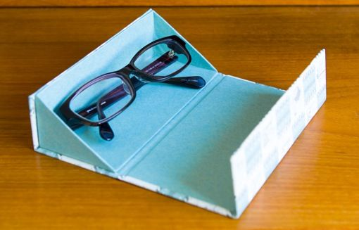 BOX AND NEEDLE blog Expanded ideas: I'd put sheered elastic encased top edge fabric @ 3/4, or paper across 1/2 way to further contain the glasses from falling out