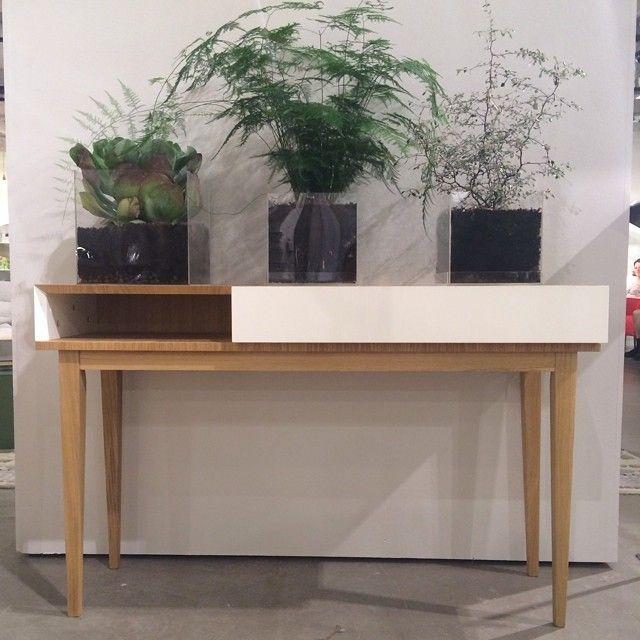 Ni har väl inte glömt våra plexiboxar som fungerar utmärkt att plantera i? De finns i två olika storlekar: 20x20 cm SEK 250, 25x25 cm SEK 350. Med på bild: Benjy Console SEK 4900. #habitatsverige #favoritpåhabitat